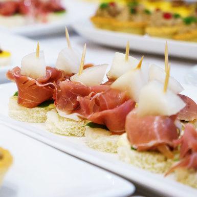 canapes-tradition-jambon-traiteur-reception-mariage-essonne-91-paris-75-ile-de-france-seine-et-marne-77